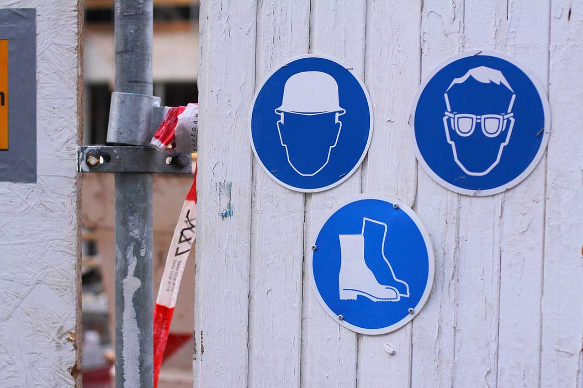 SAFE CONDITION SIGNS on CONSTRUCTION SITES