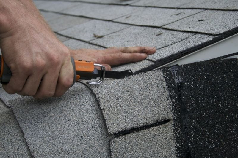 Tool for roofing