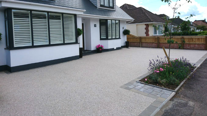 Pros and Cons of Choosing a Resin Bound Driveway - House Integrals